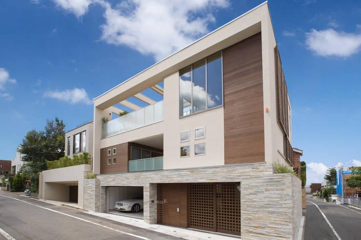 和モダンの外観: TERAJIMA ARCHITECTSが手掛けた家です。