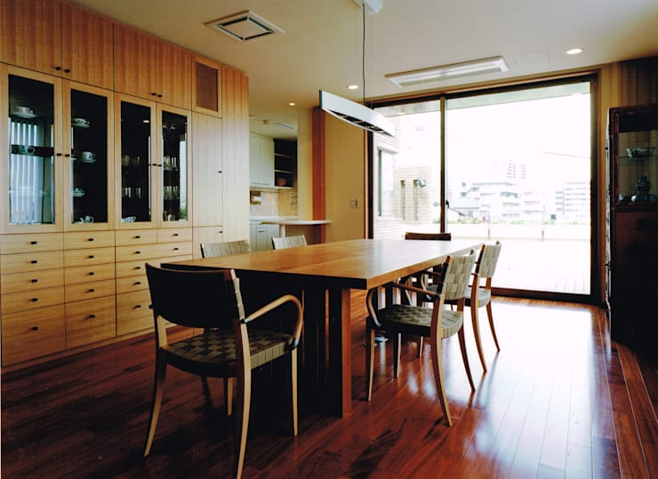 Modern dining room by アトリエ空一級建築士事務所 Modern