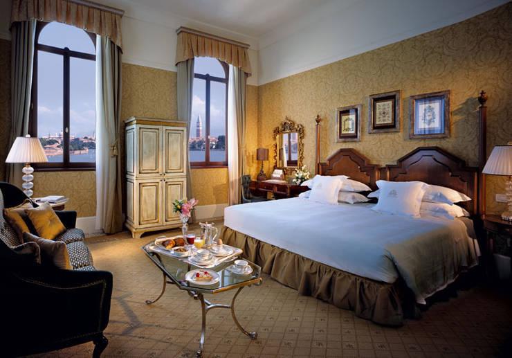 San Clemente Palace Hotel&Resort: Hotel in stile  di Studio Simonetti