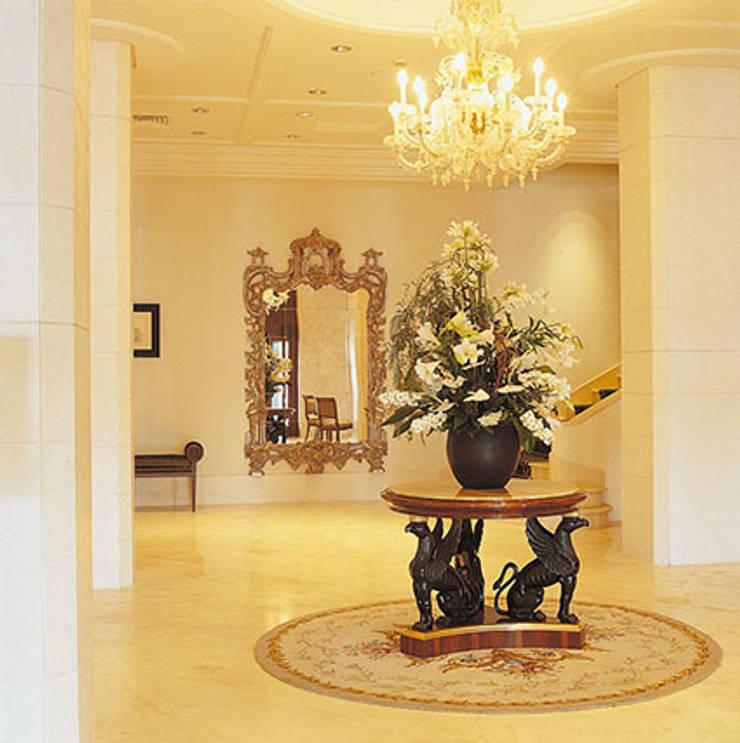 Excelsior Grand Hotel, Catania: Hotel in stile  di Studio Simonetti ,