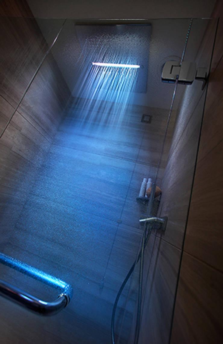 Hotel Cavour, Milano: Hotel in stile  di Studio Simonetti , Moderno