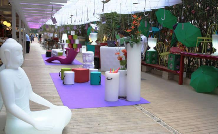 POP Up Store Apartmueble Contract: Ferias de estilo  de Blank Interiors