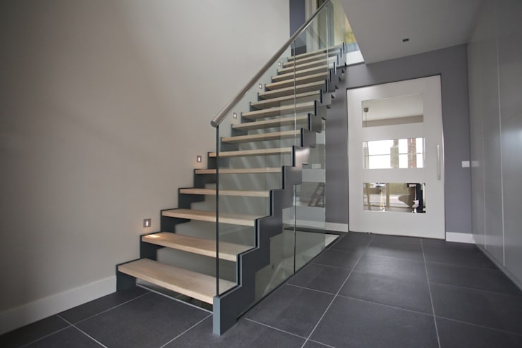 TransParancy by EeStairs® – Glazen balustrades:  Gang, hal & trappenhuis door EeStairs | Stairs and balustrades