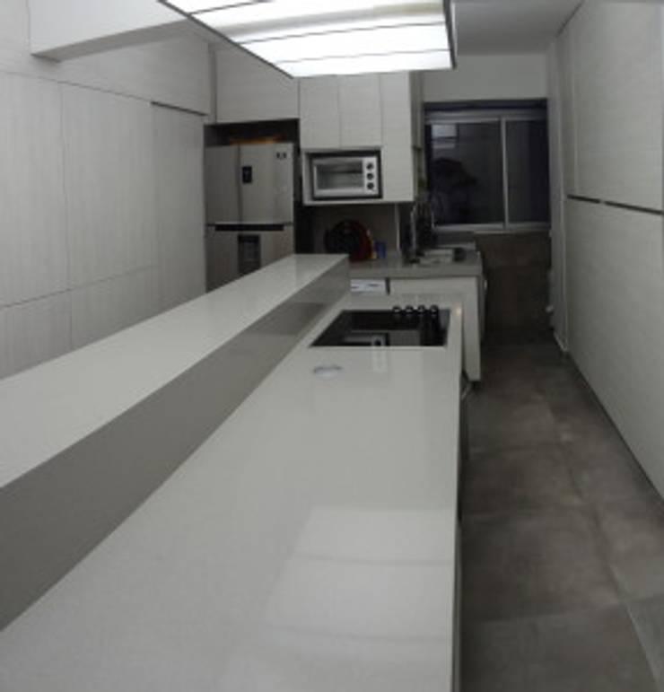 Después:  de estilo  por Villazala-Elias Arquitectos