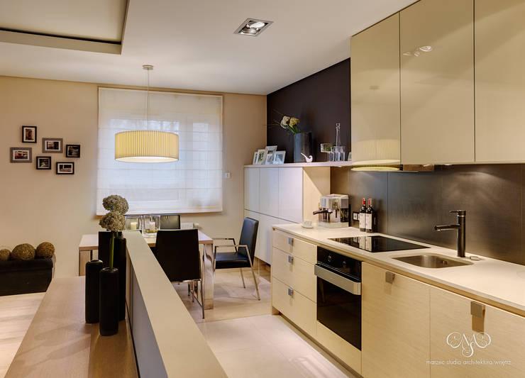 Mieszkanie  w Łodzi: styl , w kategorii Kuchnia zaprojektowany przez Marzec Studio,Minimalistyczny
