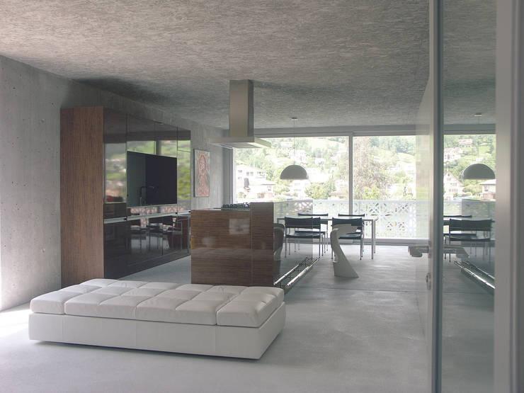 Innenraum Wohngeschoss:  Esszimmer von Himmelhoch GmbH