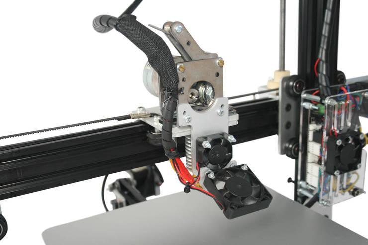 Industrial grade:  Studeerkamer/kantoor door MyMatics