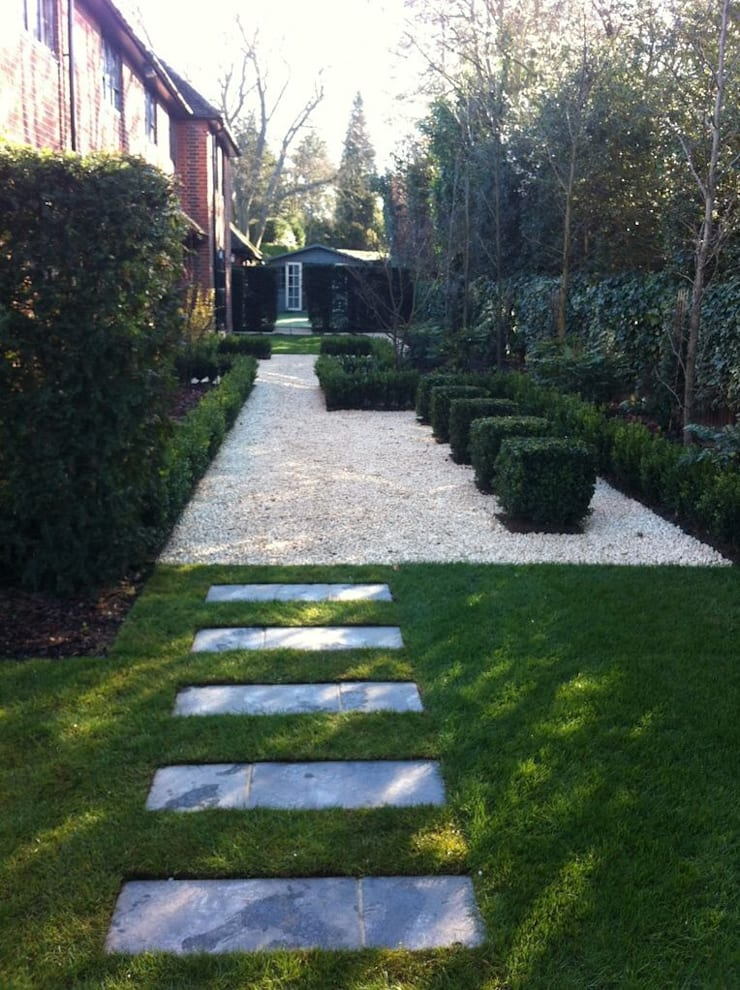 Heavenly Planting:  Garden by Cool Gardens Landscaping