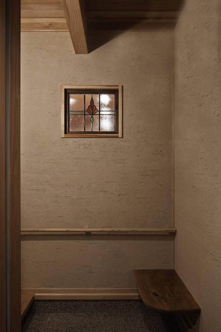 西宮北口の家: 福田建築工房が手掛けた壁です。