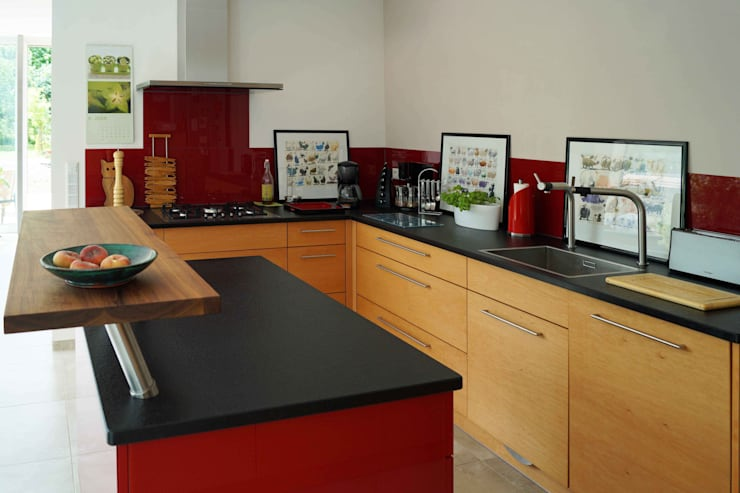 Cucina in stile  di Lignum Möbelmanufaktur GmbH