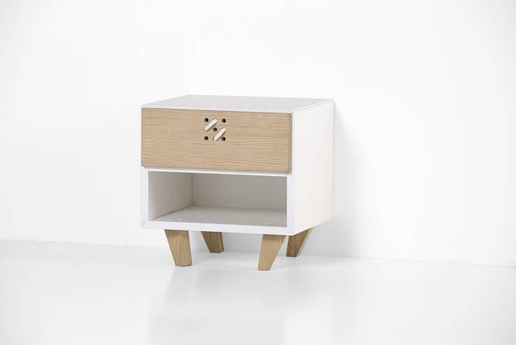 NODO comodino: Camera da letto in stile  di Andrea Brugnera Design