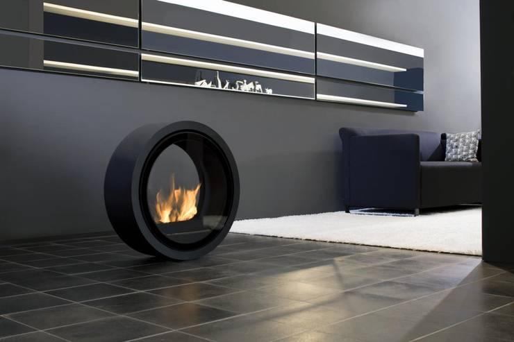 ROLL FIRE:   von conmoto,Minimalistisch