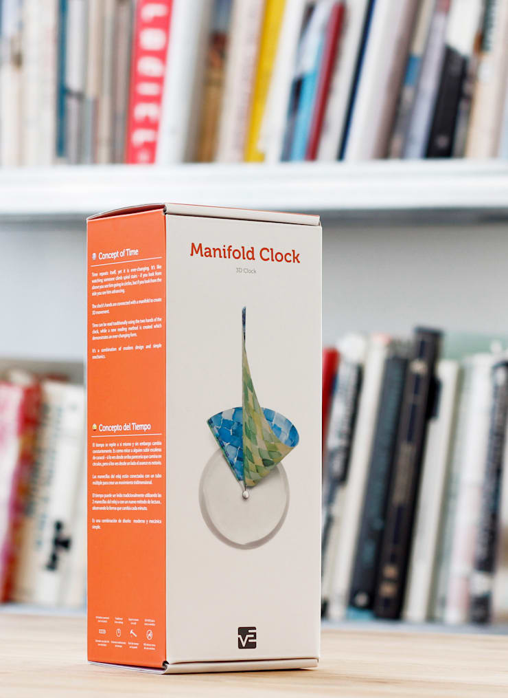 Manifold Clock:  Living room by Studio Ve