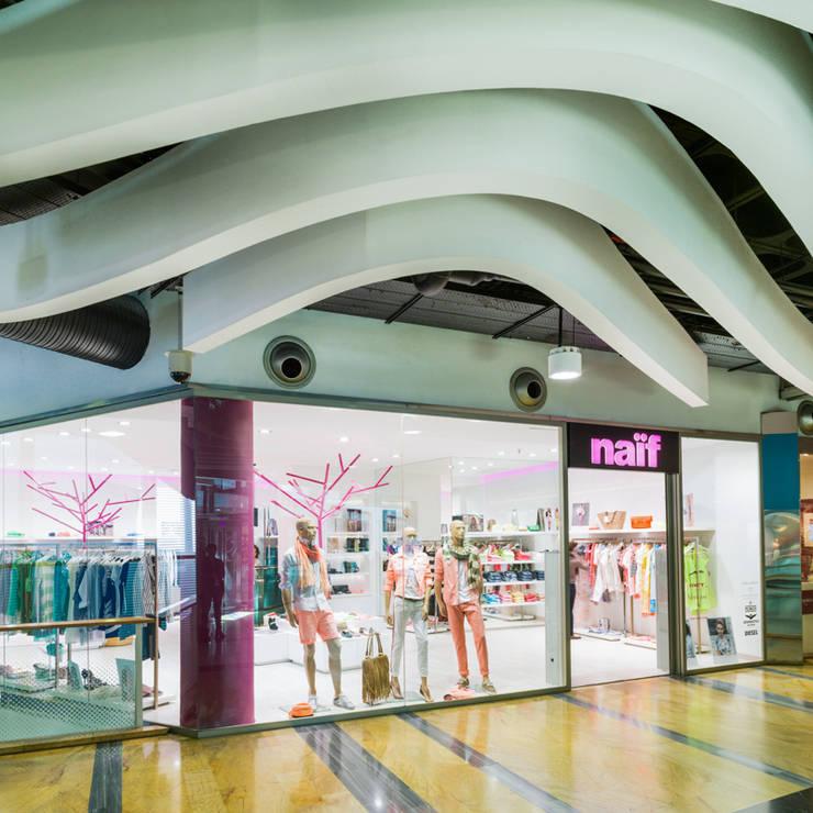 Naïf: Espacios comerciales de estilo  de margarotger interiorisme