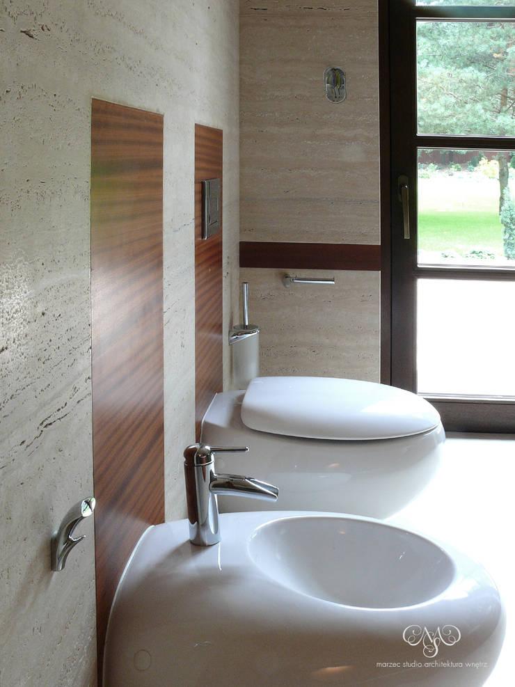 Rezydencja pod Łodzią: styl , w kategorii Łazienka zaprojektowany przez Marzec Studio