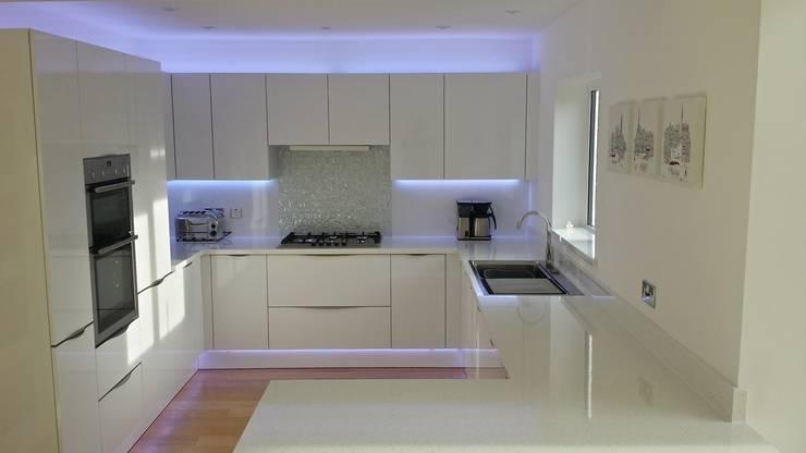 Cocinas de estilo  por AD3 Design Limited