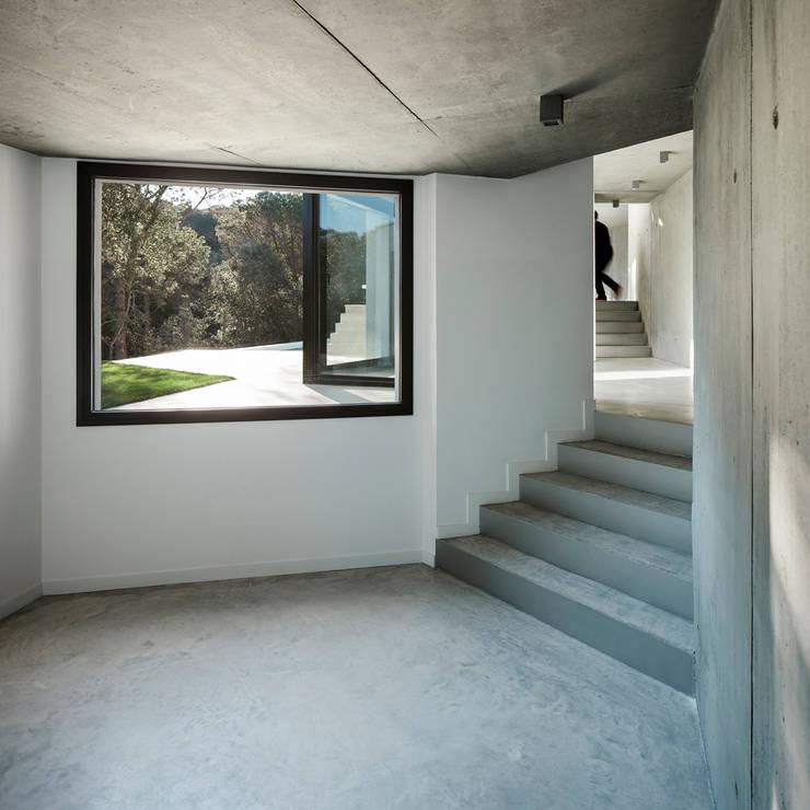 Casa en Llavaneres: Casas de estilo mediterráneo de MIRAG Arquitectura i Gestió