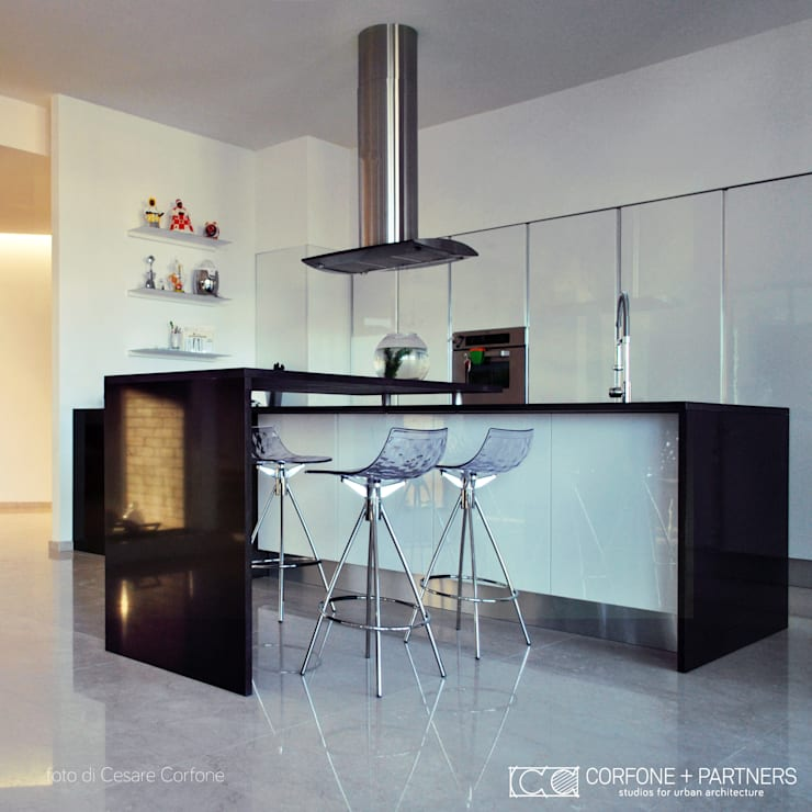 CASA M09: Cucina in stile in stile Moderno di CORFONE + PARTNERS studios for urban architecture