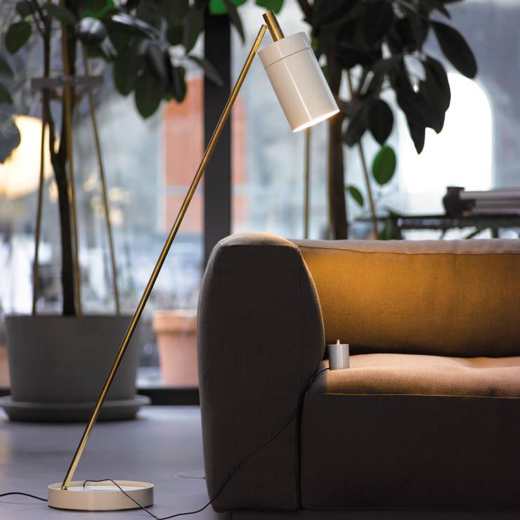NOBU:  Wohnzimmer von Anta Leuchten,