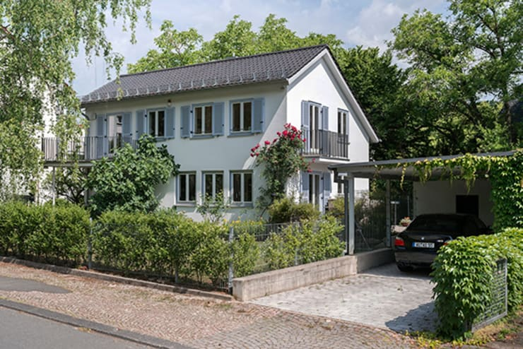 EFH mit Anliegerwohnung Wiesbaden:   von WIDENKA Design Ingenieure