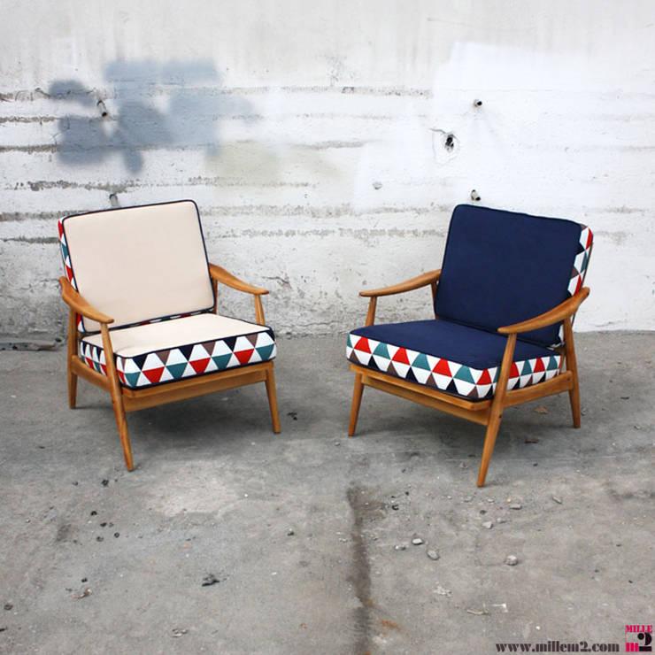 FAUTEUIL VINTAGE STYLE SCANDINAVE <q>COUSSINS À DEUX FACES</q>: Salon de style de style Scandinave par Mille mètres carrés