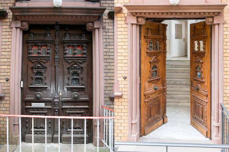 Das Eingangsportal vor und nach der Sanierung:   von Wohnwert Innenarchitektur