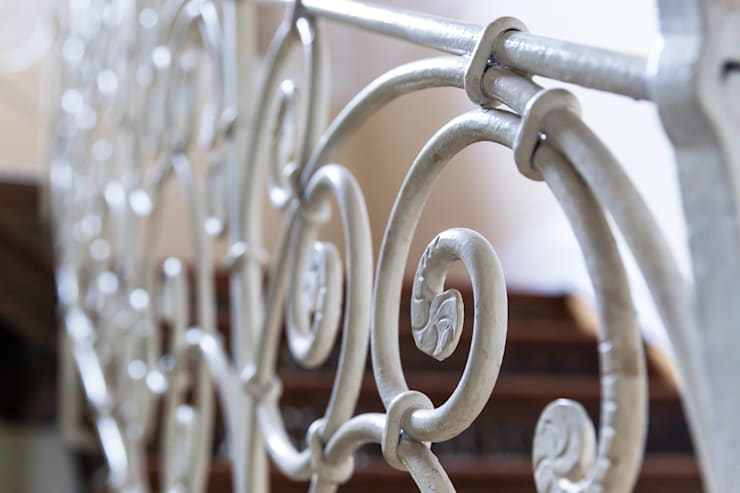 Detail Treppengeländer:   von Wohnwert Innenarchitektur,Klassisch