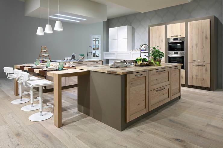 Kitchen by ARREX LE CUCINE,