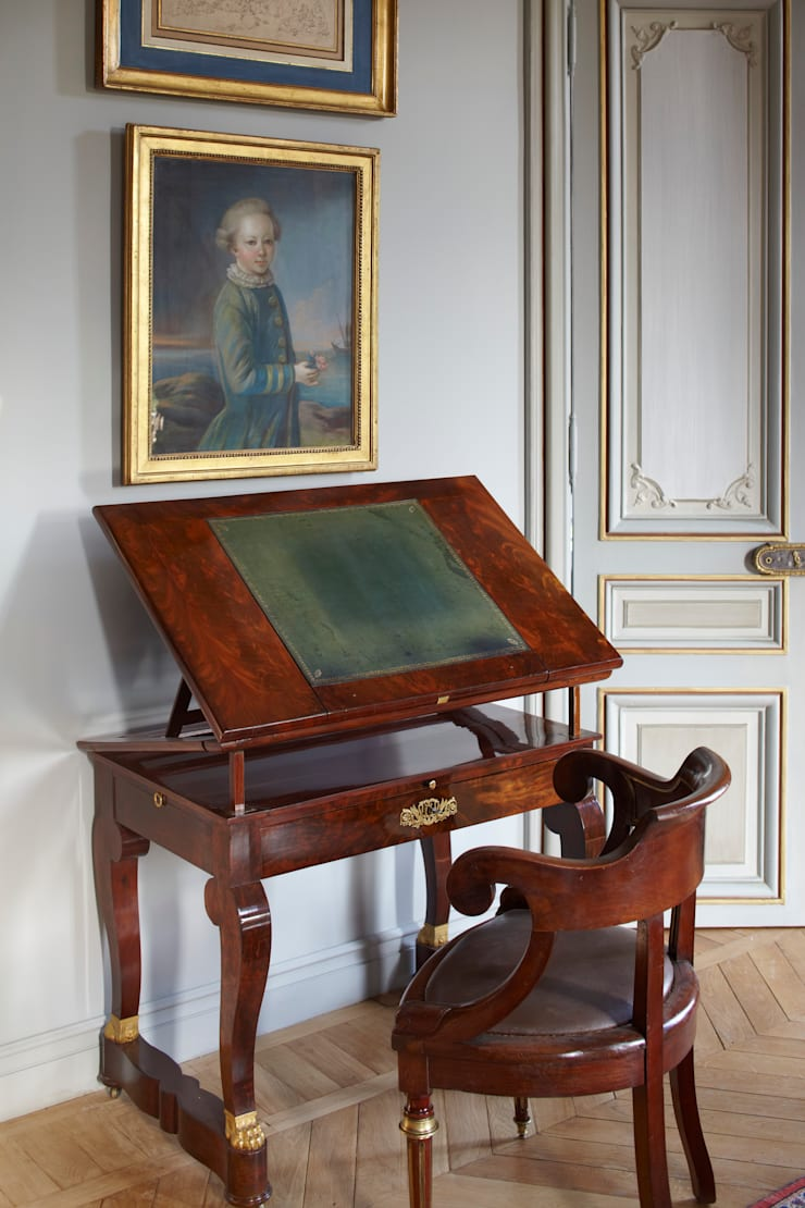 Table d'écriture: Maison de style  par Mis en Demeure