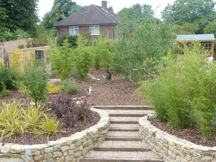 New garden, West Malling High Street, Kent:   by Cowen Garden Design