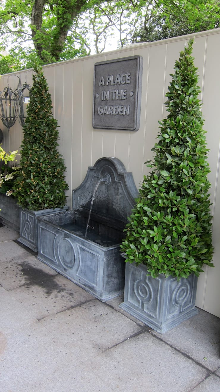 Planters & Tiber Fountain:  Garden  by A Place In The Garden Ltd.