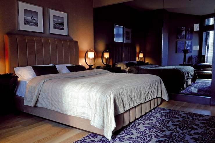 ASTORIA:  Bedroom by Esra Kazmirci Mimarlik