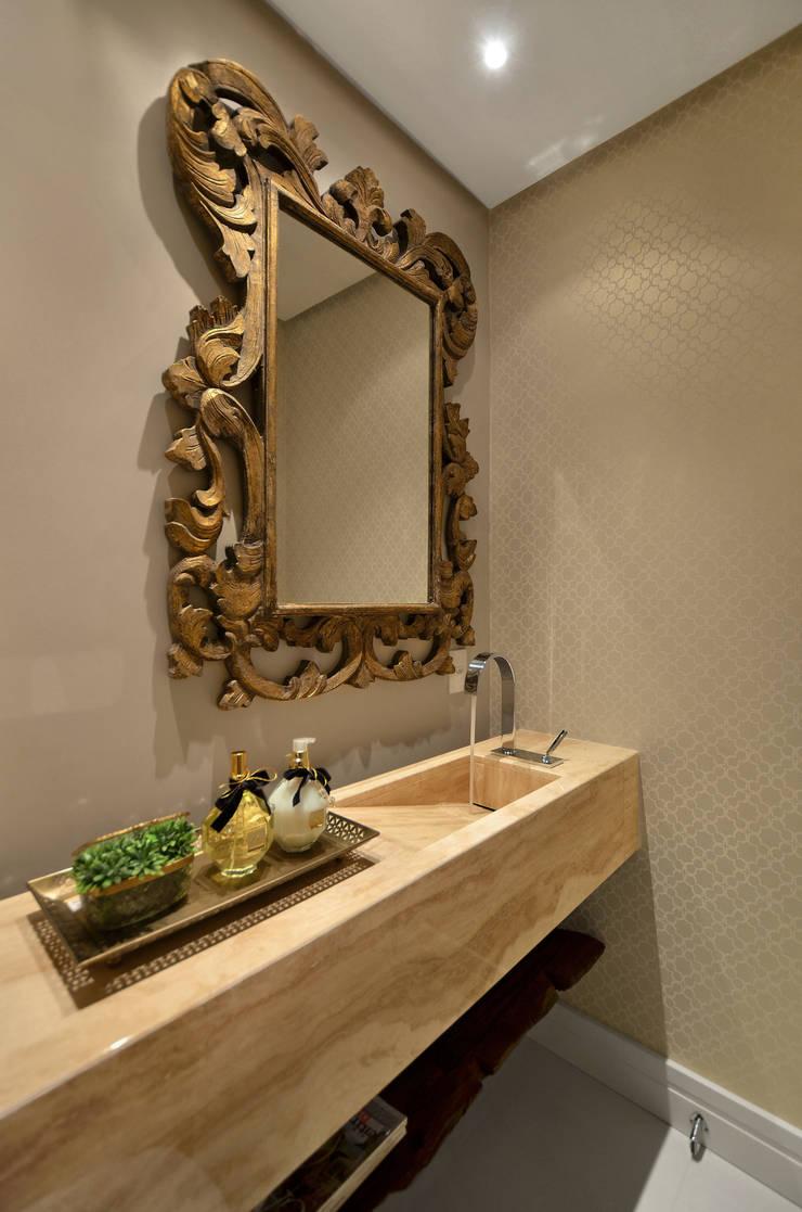 Lavabo S|R: Banheiros  por Redecker + Sperb arquitetura e decoração