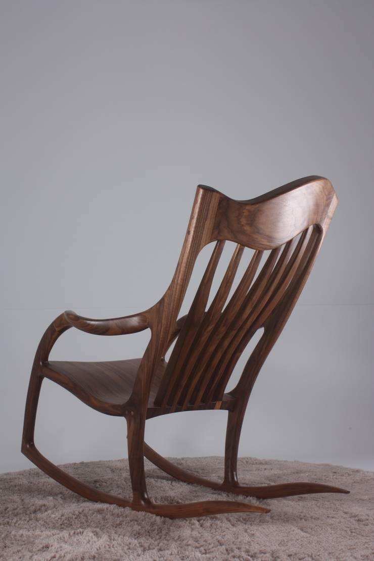 Rocking chair: 메이앤 공방의  거실