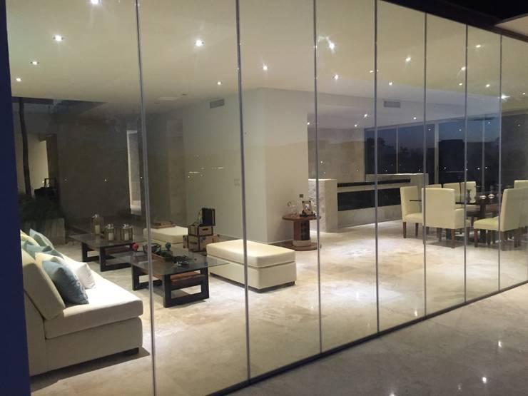 Sala y Comedor: Terrazas de estilo  por Vortex Arquitectos