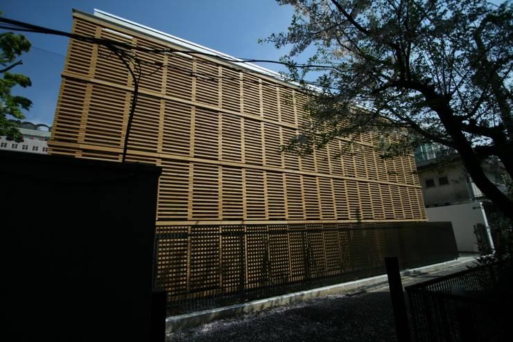 Школы и учебные заведения  в . Автор – Yoshiharu Shimazaki Architect Studio,INC, Модерн
