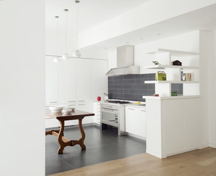 Cucina: Case in stile  di Grooppo.org