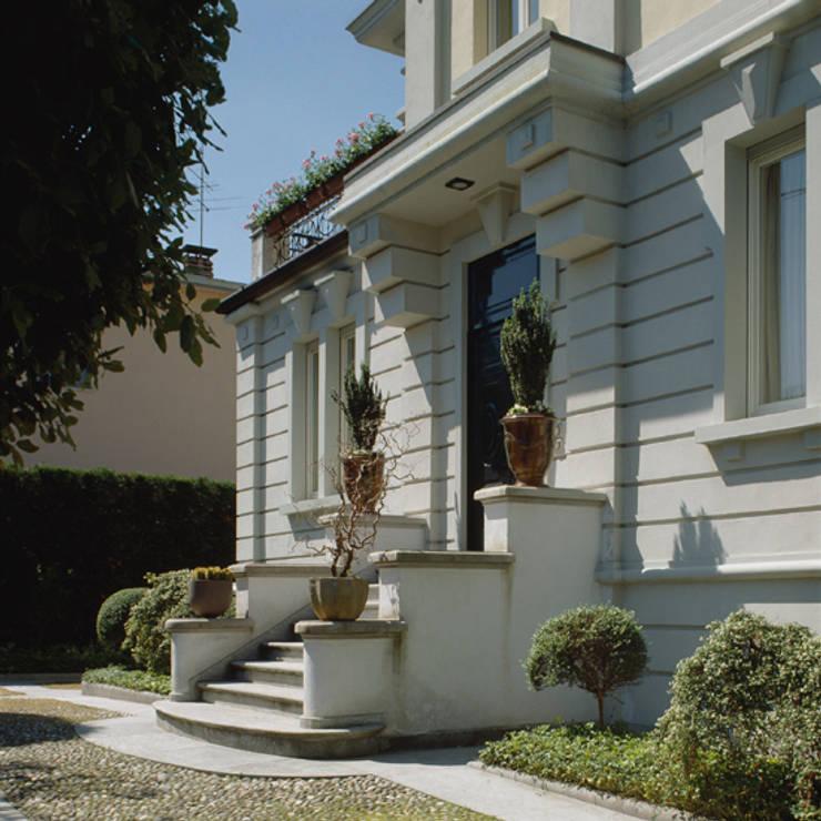 ingresso:  in stile  di ARCHITETTO MARCO TAGLIAPIETRA