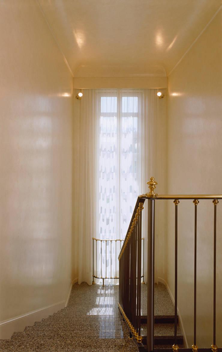 Villa liberty nell'Oltrepò pavese:  in stile  di ARCHITETTO MARCO TAGLIAPIETRA