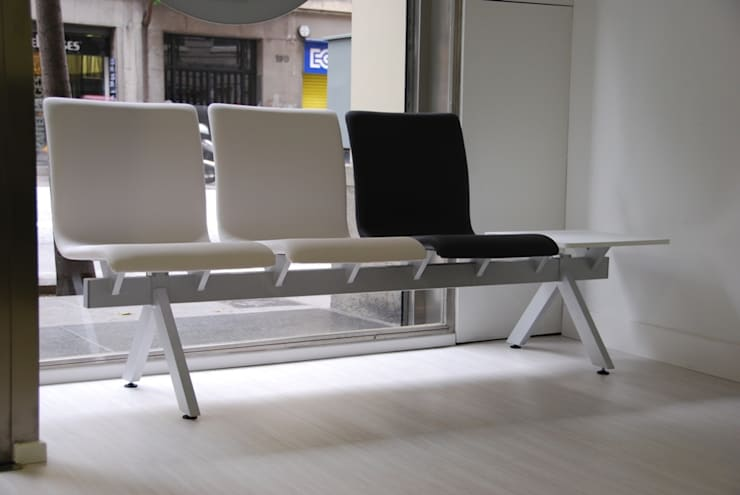 BANCADA JOKER: Clínicas de estilo  de EXIT SEATING BARCELONA