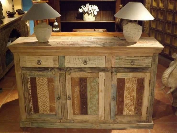 SC93713: Salones de estilo  de Salablanca Furniture & Decoration