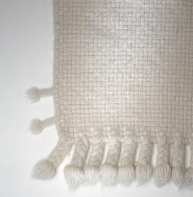 weichling, Detail Kol. 170: modern  von Isabel Bürgin,Modern