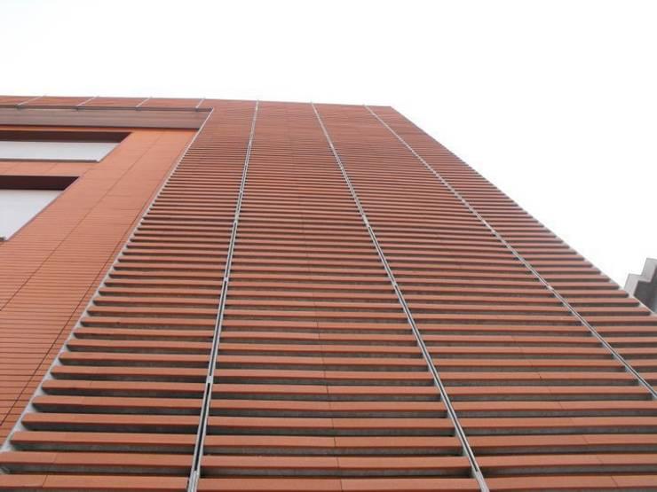 Edificio residenziale via Carducci, 8:  in stile  di Studio Guzzo & Partner