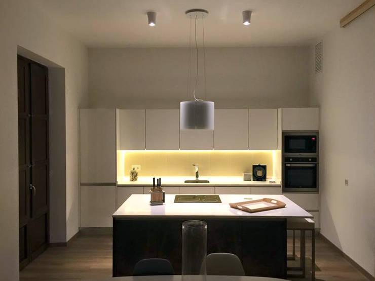 Ruang Makan oleh Ivan Torres Architects, Modern