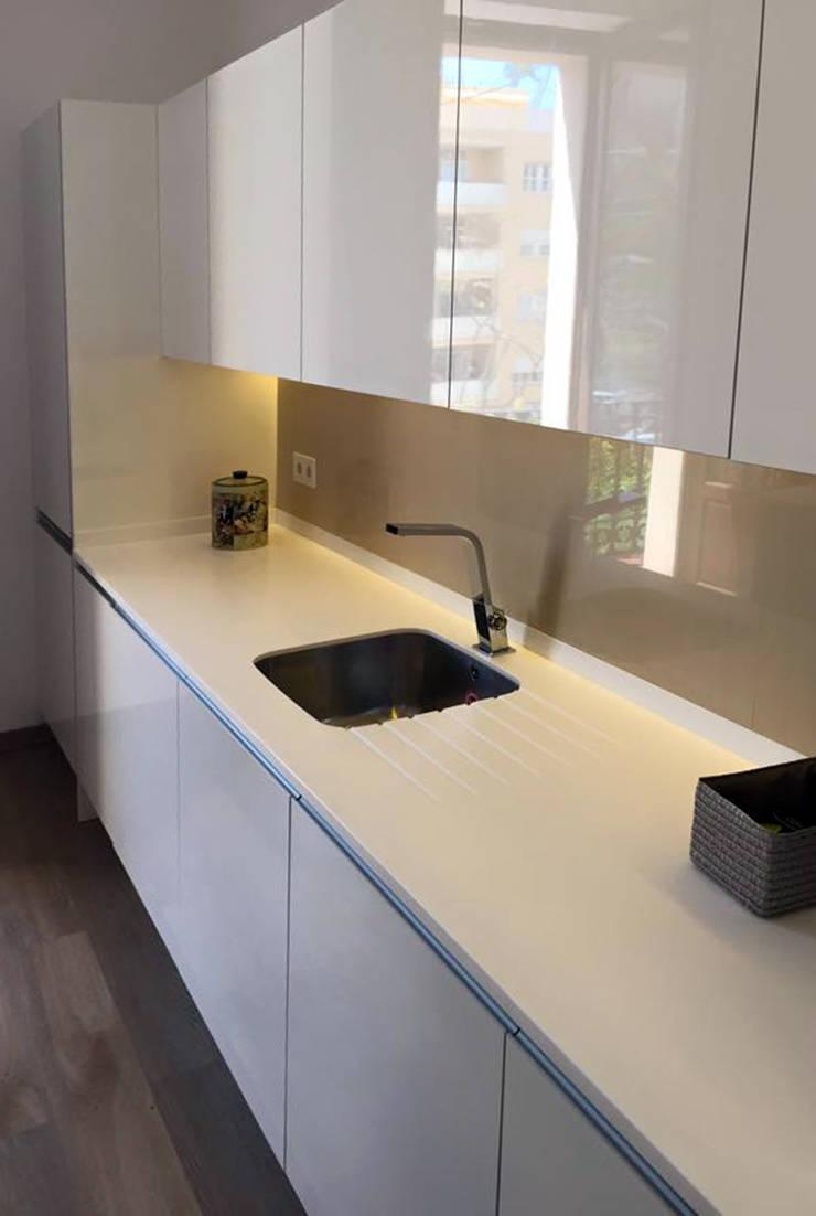 Dapur oleh Ivan Torres Architects, Modern