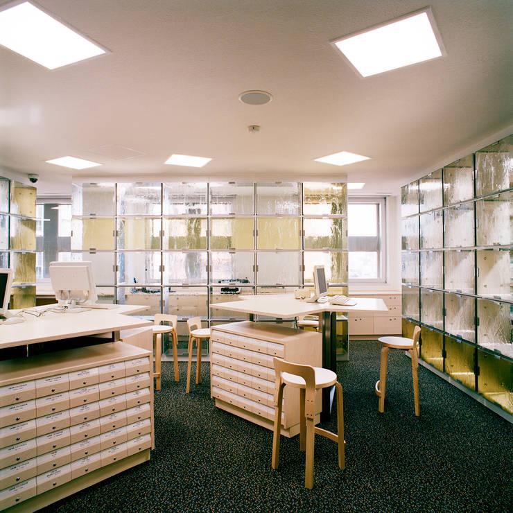 エントランスホール: Yoshiharu Shimazaki Architect Studio,INCが手掛けた美術館・博物館です。