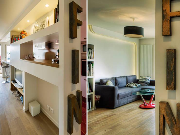PRES DU MARCHE LA CHAPELLE: Salon de style de style Moderne par EC Architecture Intérieure