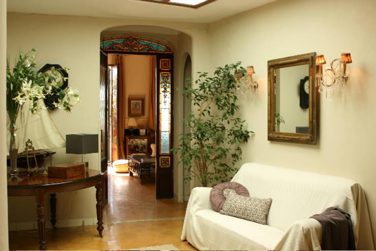 LIVE PROPERTIES:MAGNÍFICO PISO EN PALMA: Casas de estilo  de LIVE PROPERTIES