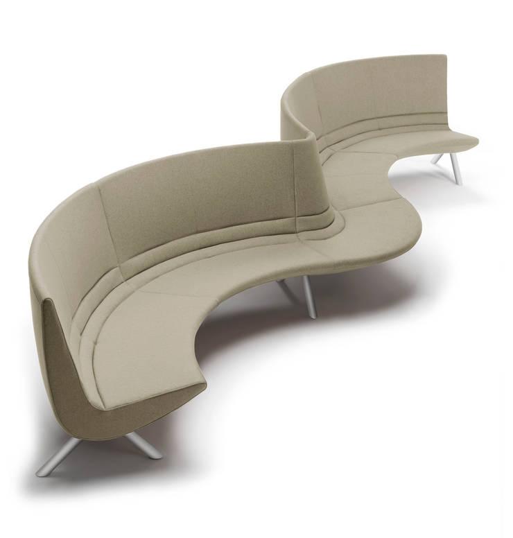 RIVER – modular upholstered seating system: Negozi & Locali Commerciali in stile  di BARTOLI DESIGN