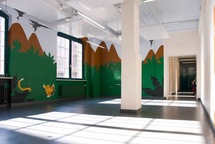 """Themenwelt """"Dschungel"""": moderne Kinderzimmer von SEHW Architektur GmbH"""